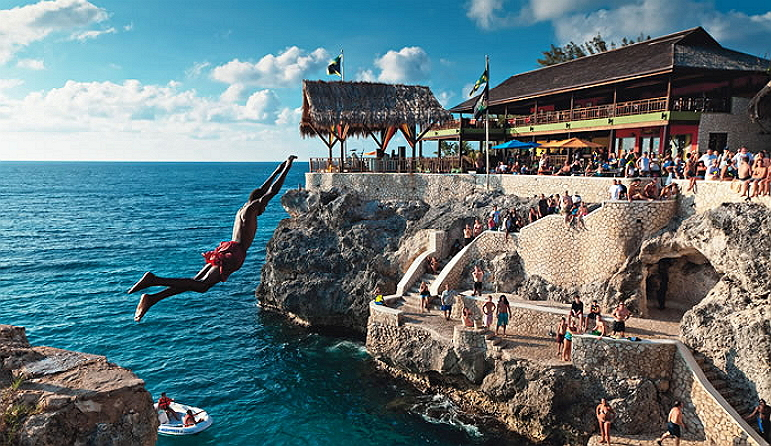 ricks-cafe-jamaica-cliff-diving